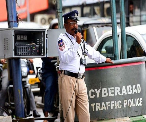Talented 'Hyderabad Traffic Cops' To Woo People With 'Humour