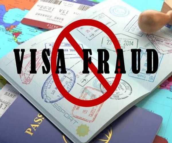 Is Hyderabad Really Becoming A Hub For 'Visa Frauds'? | #KhabarLive